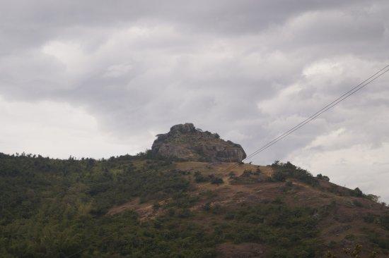 Ramakkalmedu, India: opposite kurvan kuruthi hills.