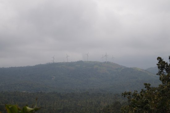 Ramakkalmedu, Indie: view of the wind power source