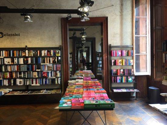Libreria Moderna Reggio Emilia.Photo3 Jpg Foto Di Libreria All Arco Reggio Emilia