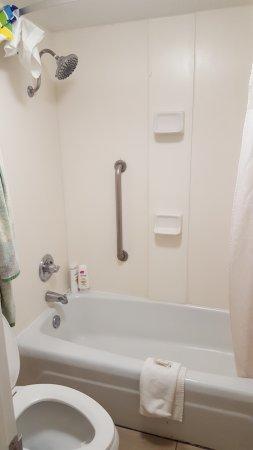 Non Handicap Restroom With Handicap Handles For A Deep Hot And Cold - Handicap bathroom handles