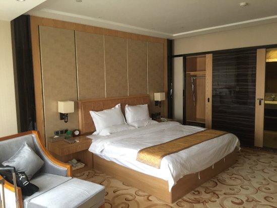 Junlong Business Hotel
