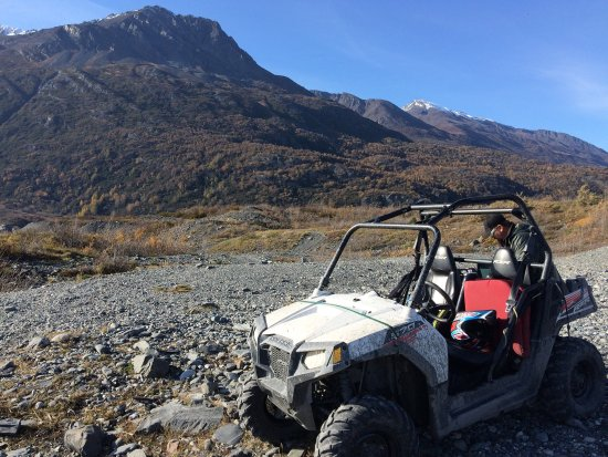 The Chugach Range Is The Backdrop For Anchorage S City