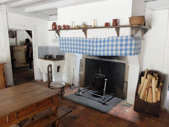 Ecomusee De Marqueze Typisches Wohnzimmer Mit Offenem Kamin