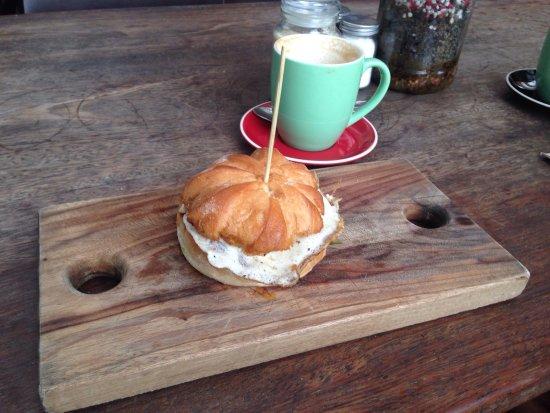 Cafe byron: photo1.jpg