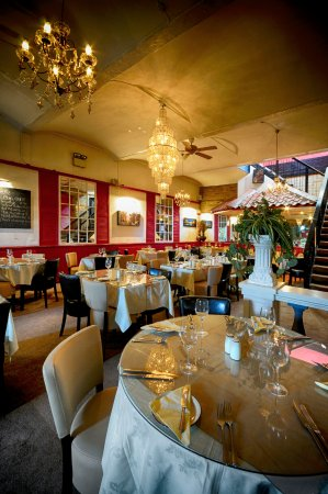 Brighouse, UK: Bellini's dining area