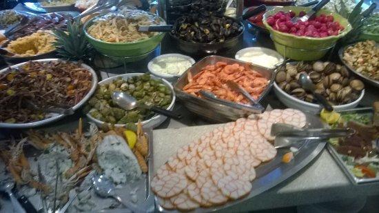 Toulon-sur-Allier, Fransa: Une toute petite partie du buffet