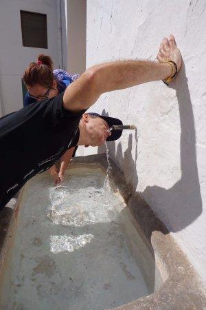 Calles, Hiszpania: fuente de agua fresquita