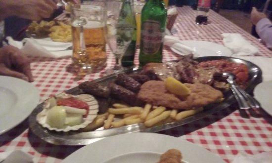Istria, كرواتيا: piatto di carne misto per 2