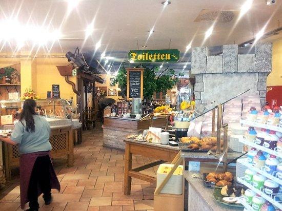 Zobern, Austria: Restaurant