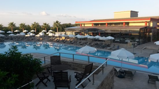 Apollonion Resort & Spa: Central swimming pool