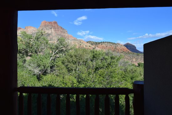 Majestic View Lodge: View from room/balcony overlooking some great scenery