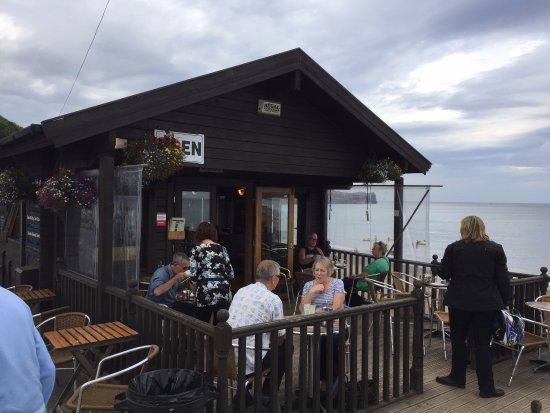 Sandside Cafe: Great location