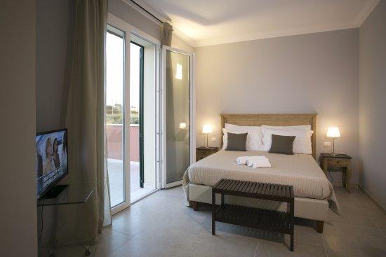 Camera Da Letto Con Divano : Soggiorno con divano letto picture of corte olea resort paceco