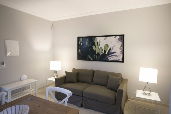 Divano Maria Rosario : Soggiorno con divano letto picture of corte olea resort paceco