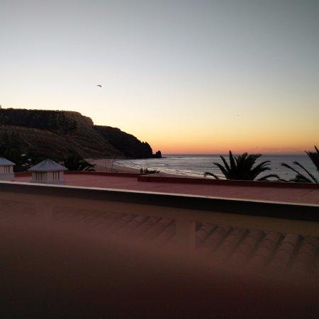 Luz Beach Apartments: Sonnenaufgang vom Balkon