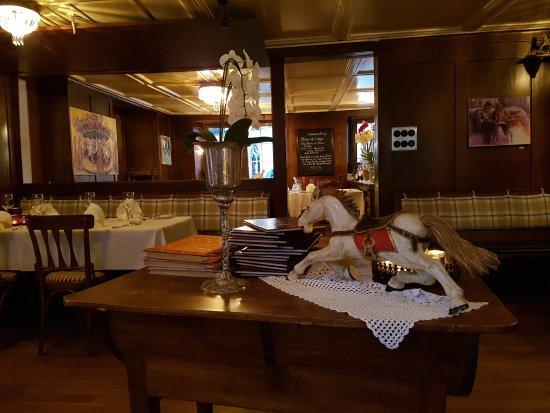 Zollikon, สวิตเซอร์แลนด์: Gasthaus zum Rossli
