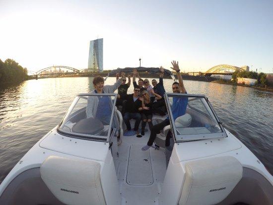 d99355bf31ebab MS Partyboot Deutschland  Partyboat Tour in Frankfurt a.M.