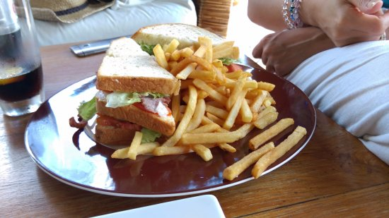 Gangehi Island Resort: Here is the club sandwhich i was talking about