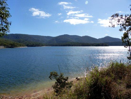 Atherton, Australia: Lake Tinaroo, Dam wall end