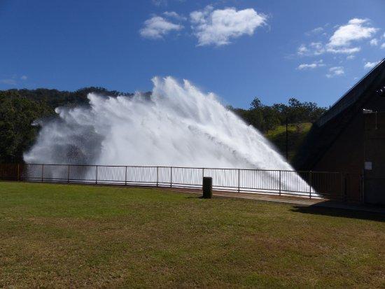 Atherton, Australia: Tinaroo Falls Dam spillway