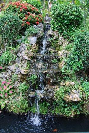 Chingsan Yan Temple : It's a waterfall