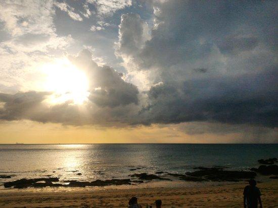 Lanta Nature Beach Resort: Beach