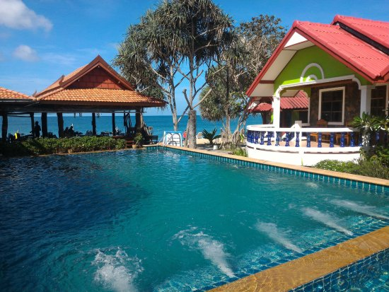 Lanta Nature Beach Resort Resmi