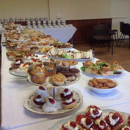 Abergavenny, UK: Afternoon tea for 120 at Cross Ash village Hall