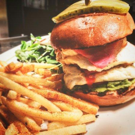 Oakamoor, UK: Chicken breast burger