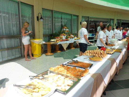 Grupotel Playa Camp de Mar: Tourest day buffet