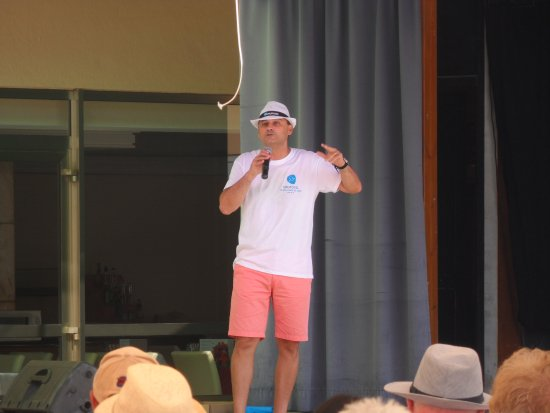 Grupotel Playa Camp de Mar: The lovely manager Jose.