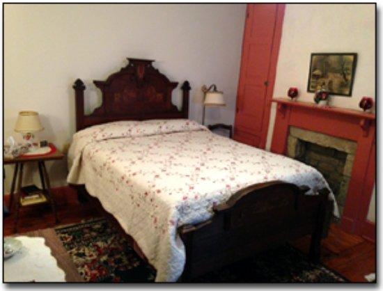 Ebensburg, PA: Rose Room