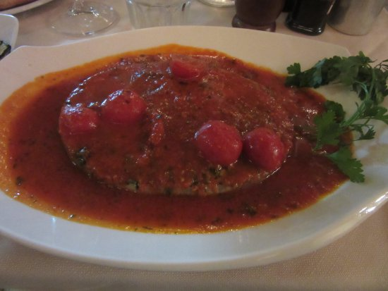 Jimmy'Z Bar: sword fish in tomato sauce