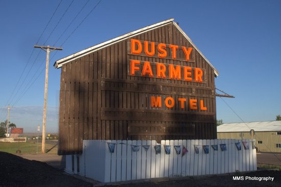 Dusty Farmer Motel