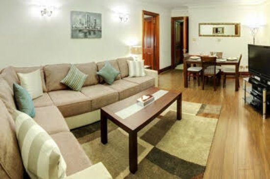 Carlton Court : 1 bedroom apartment - lounge