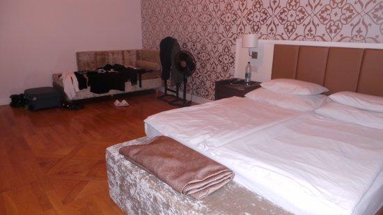 Deminka Palace-bild