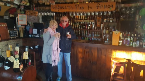 Sani Pass, เลโซโท: Yes the highest pub in Africa