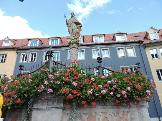 R derbrunnen rothenburg ob der tauber alemania picture of roderbrunnen rothenburg - Rothenburg ob der tauber alemania ...