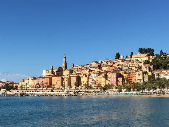 Hotel Napoleon: View towards Menton from near the hotel. There is a similar view from the bedroom balcony