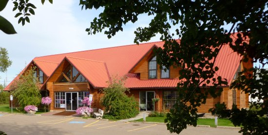 Mackenzie Crossroads Museum and Visitors Centre in High Level AB