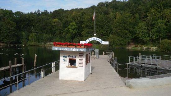 Bad Malente, Alemania: Abfahrtstelle der 5-Seen-Fahrt Malente