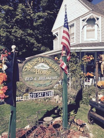 MacDougall House Bed and Breakfast: IMG_6843_large.jpg