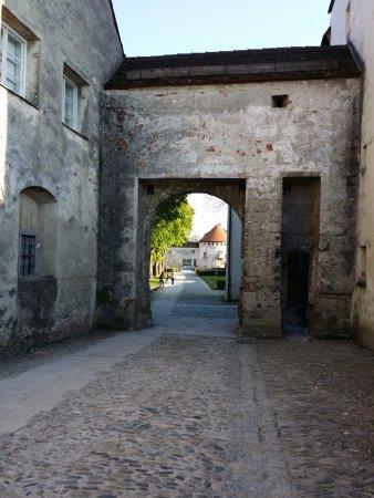Burghausen, Tyskland: Eine Pforte innerhalb der Burg