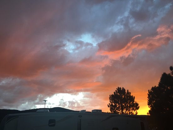 Angel Fire, NM: Views of the fiery sky at Monte Verde RV Park