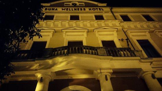 Baja - Duna Wellness Hotel - front facade