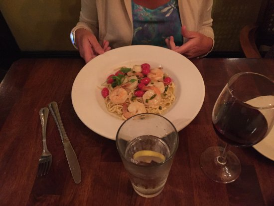 Gulfport, FL: Shrimp and linguine