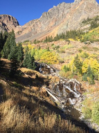 Lundy Lake: Beauty wherever you look, do this hike if you have the chance!
