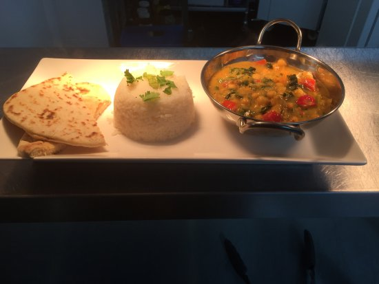 Holmes Chapel, UK: Chickpea Curry with rice and Naan £ 6.95