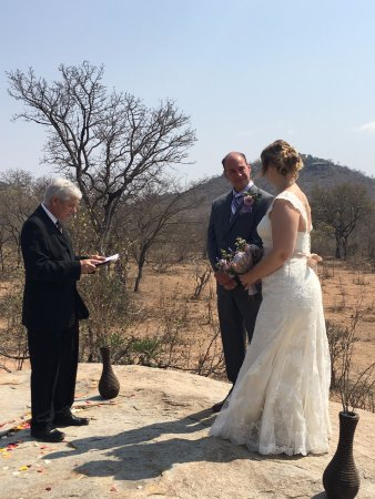Ulusaba Safari Lodge: King's Rock Wedding