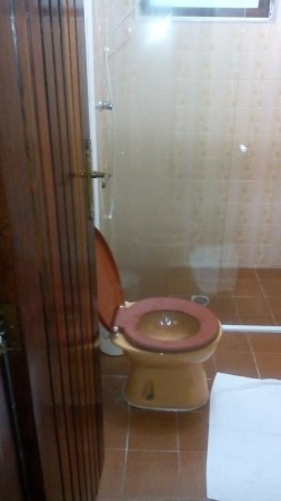 Hotel Pousada Garoupas: banheiro